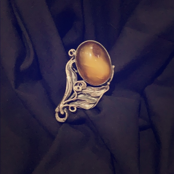 Jewelry - Antique Sliver 9gram stone Brooch ❤️